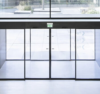 Puerta automatica entradas comercios