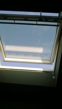 ventana velux interior blanco