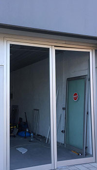 puertacomercial03