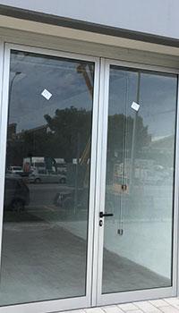 puertacomercial05